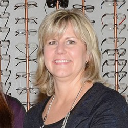 Renea Kallai, Optician